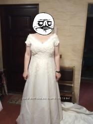 Свадебное платье со шлейфом Benjamin Roberts, для большой груди