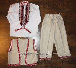 Украинский костюм на 3-5 лет.