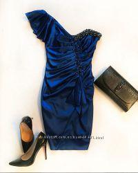 Эффектное вечернее нарядное платье