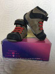 Кожаные ботиночки Perlina 19р. 12, 3 см стелька отличное состояние