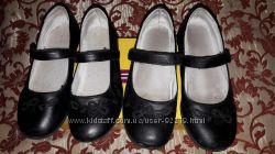 Віддам за вашу ціну взуття для дівчинки 34 і 35 р-р