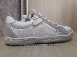 Кожаные туфли кроссовочки -Vertbaudet- для стильной девочки -р. 30
