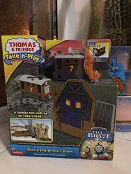 Thomas the Train Take-n-Play наборы Тоби и Томас