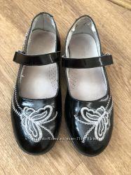 Лаковые чёрные туфли для девочки в школу кожа лак туфельки