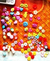 Пуговицы микс цветов для скрапбукинга и шитья разноцветные от 1 штуки