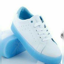Распродажа  женские кроссовки