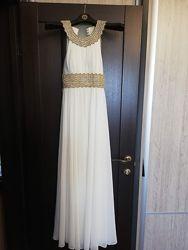 Белое празничное платье