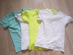 Много футболок и майка. Размеры разные и цены