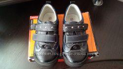 Кроссовки, спортивные туфли
