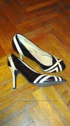 Туфлі з відкритим пальчиком