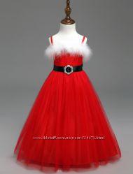 Яркие Новогодние костюмы и платья