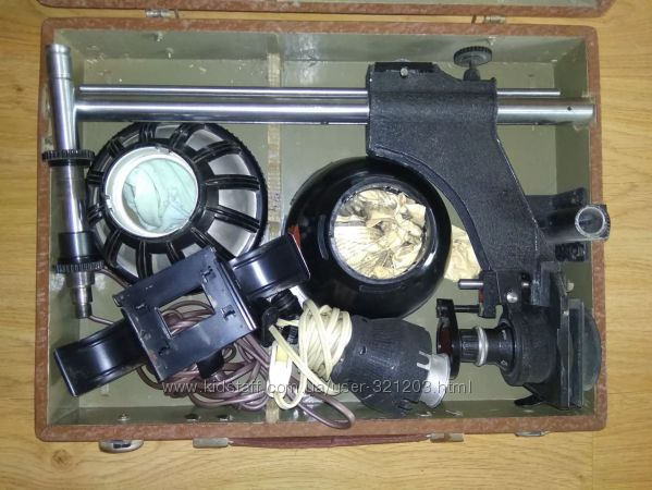 Фотоувеличитель УПА-3 в кейсе - 1963