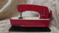 Детская швейная машинка Мшдм 80- х годов