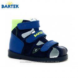 Ортопедические  профилактические сандалии BARTEK Размеры 27-32 для мальчико