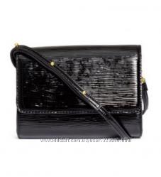 Черная маленькая сумочка h&m