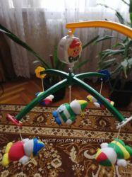 Подвесная игрушка на детскую кроватку