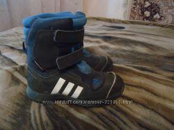 Фирменные зимние сапоги adidas, р. 30. по стельке 18 см.