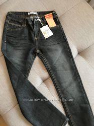 Piazza Italia джинсы для мальчика 8-9 лет темно серые