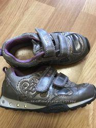 Стильные фирменные кроссовки GEOX