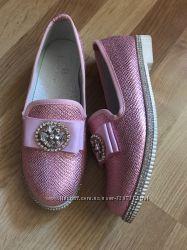 Шикарные туфельки в камнях