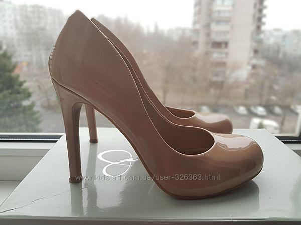 Изящные туфли с закругленным носком от Jessica Simpson. Оригинал.