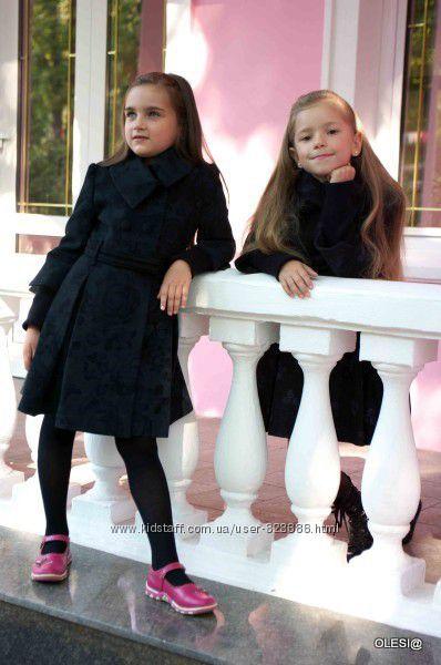 Шерстяное пальто для девочки Raslov