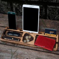 Подставки для телефона и планшета из дерева ореха