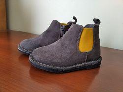Продам 22 размер Mango ботиночки Деми