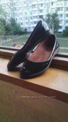 Кожаные лаковые туфли 36 размер