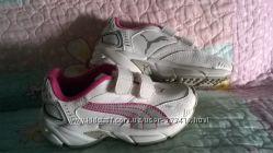 Кроссовки фирменные PUMA белые, размер 28, в отличном состоянии