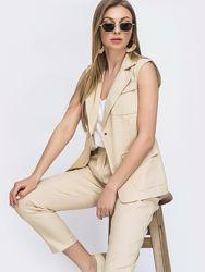 Стильный комплект-двойка из жилета и укороченых брюк