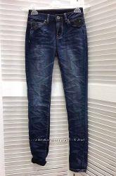 Темно-синие тонкие женские джинсы с винтажным эффектом, Италия, скидка