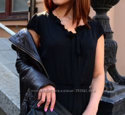 Воздушное шелковое платье длины миди с оборками, Италия