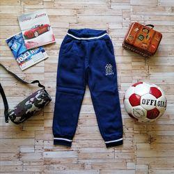 Утеплённые спортивные брюки на флисе р. 110. Венгрия
