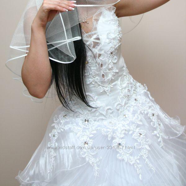 Роскошное свадебное платье с кристаллами Сваровски