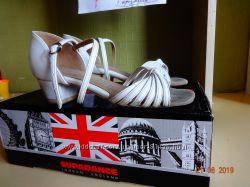 Танцевальные туфли Supadance р. 33-34- 21 см по стельке.