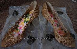 Новые туфли Schutz из США с открытым носком