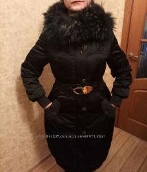 Длинный пуховик на холодную погоду