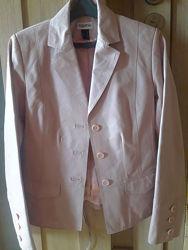 Кожаный пиджак пудрового цвета р. S