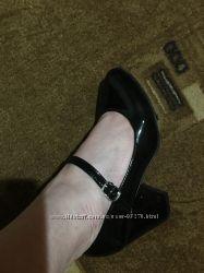 Шикарні туфельки.