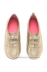 Осенние туфли золотые фирмы H&M размер 32