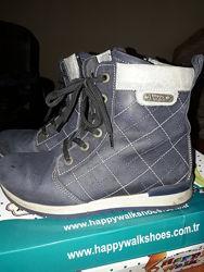 Ботинки из нубука - 33 размер