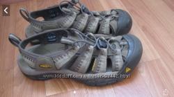 Продам треккинговые сандалии KEEN