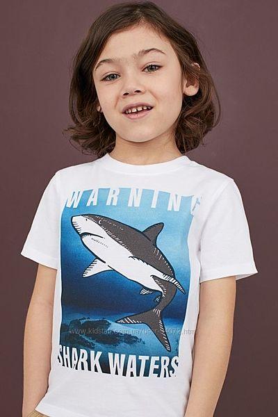 H&M Хлопковая футболочка с акулой для 2-6 и 8-10 лет