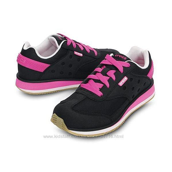 Легкие и яркие кроссовки Crocs Retro Sneaker.  Невесомые на ноге. Незаменим