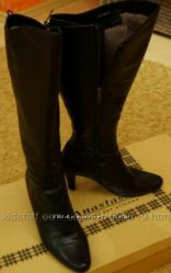 Сапоги 37 размера  кожаные на цигейке