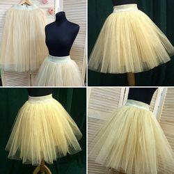 Золотая юбка пышная и красивая