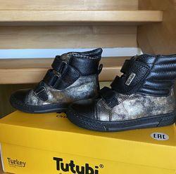 Стильные ботинки  Tutubi