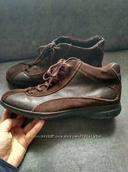 демисезонные кожаные  ботинки ecco р39