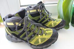 кроссовки Adidas с мембраной Gore-tex р. 38 по стельке 25 см
